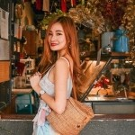 Lingwei - Loves travelling, fashion and beauty