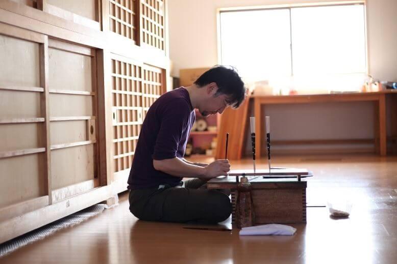 Wakasa-nuri Chopsticks artisan making chopsticks