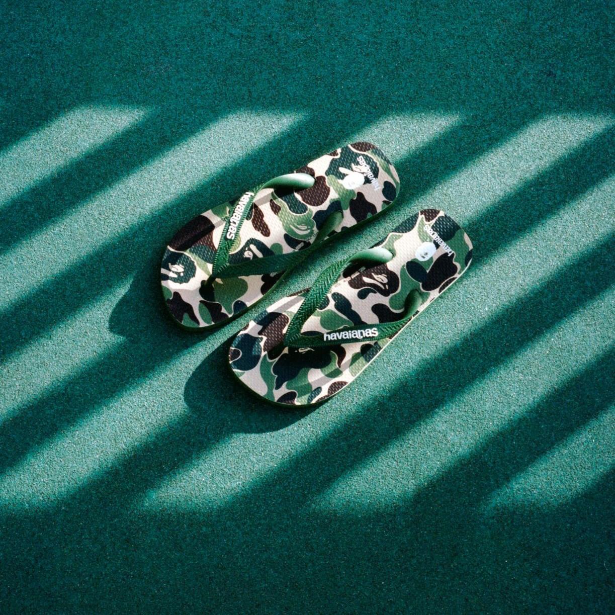 Tampil Ala Streetwear Jepang Dengan Havaianas X A BATHING APE