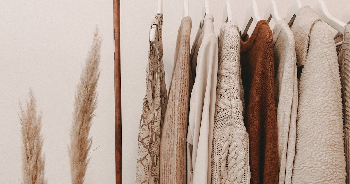 How To Create A Minimalist Capsule Wardrobe Inspired By Japanese Style |  CoolJapan