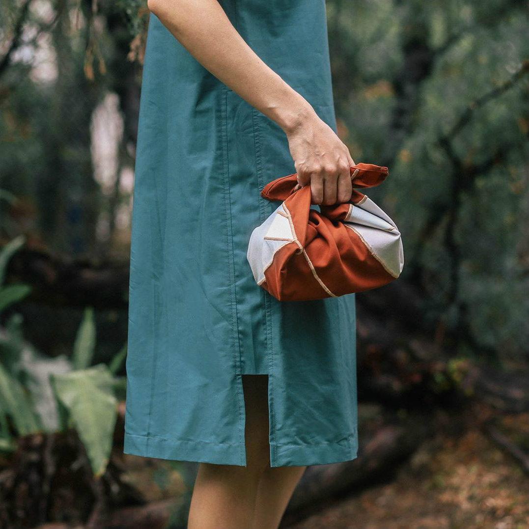 Kurangi Sampah Plastik Dan Lebih Fashionable Dengan Seni Furoshiki